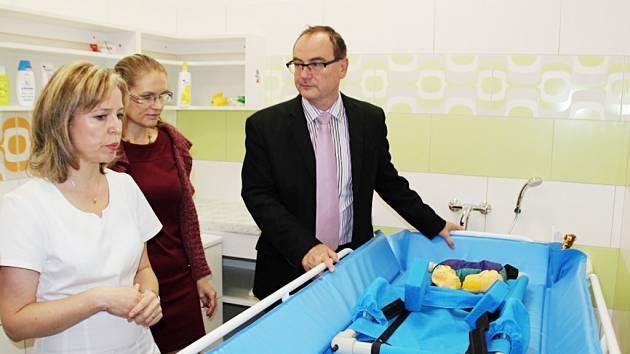 Centrum Veská nové sociální zázemí. Koupelna pro hendikepované děti je vybavena včetně speciálního sprchovacího lůžka.