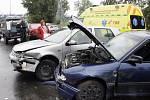 Řidič opelu nejdříve naboural sám, pak jiného řidiče. To vše pod vlivem alkoholu.