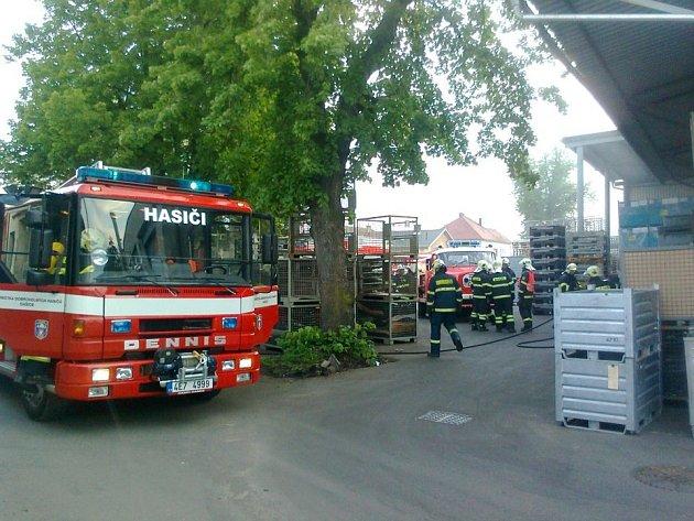 Požár lakovny způsobil škodu za pět milionů korun.