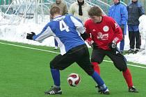 Z přípravných fotbalových duelů předních celků Pardubicka. Ještě týden a jarní soutěže budou klepat na dveře.