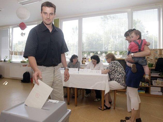 K volební urně se dostavil také starosta městského obvodu VI Petr Králíček.