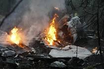 Cvičný bitevník L-39 se zřítil do lesa u Holic. Pravděpodobně kvůli technické závadě, dvoučlenná posádka se stihla katapultovat.