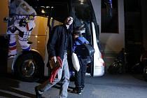 Svoje hokejisty po vítězném tažení s Libercem přišli fanoušci uvítat bouřlivě bez ohledu na pokročilou noční hodinu