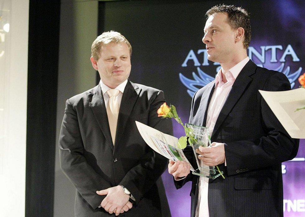 Nejúspěšnější sportovci našeho okresu převzali v KD Hronovická ocenění za své výkony v roce 2011