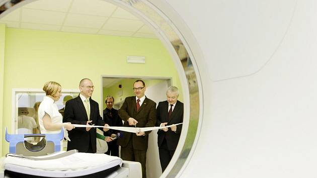 V pardubické nemocnici začalo fungovat nové 'cétéčko' - počítačový tomograf