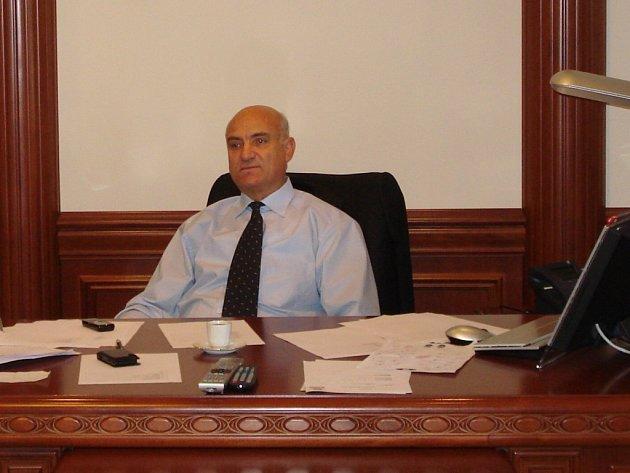 Valentin Badalyan