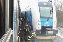 Poškození lokomotivy u Uherska způsobilo neodborné kácení stromů. Cestující museli přestupovat.