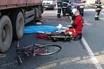 1. dubna 2010. Patnáctiletý cyklista vjel u Opatovic nad Labem pod kamion. Mladík byl na místě mrtev.
