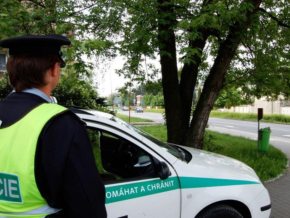 Pardubičtí policisté v pondělí rozbili své stanoviště na ulici S. K. Neumanna..