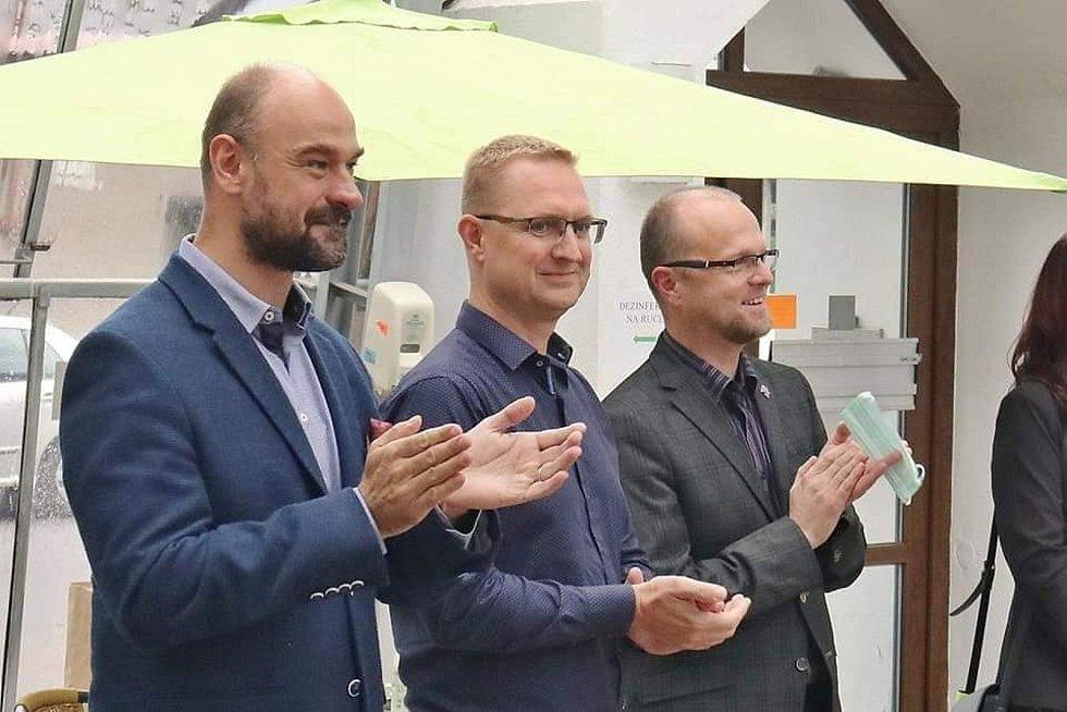 Dva největší političtí rivalové v nadcházejících krajských volbách, Martin Kolovratník (vlevo) a Martin Netolický (vpravo). Foto: facebook
