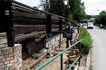 Unikátní dřevěnný kostelík v současnosti prochází rekonstrukcí