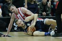 5. semifinále basketbalové Kooperativa NBL Pardubice - Děčín.