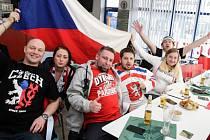 Fanoušci sledovali semifinále olympijského hokejového turnaje mezi Českou republikou a Olympijskými sportovci z Ruska.