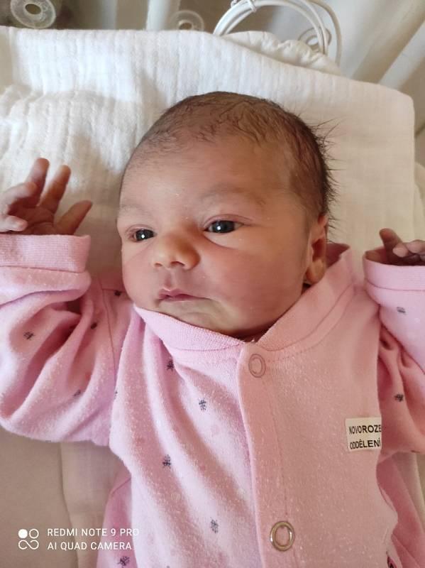 Ema Stanculea se narodila 28. 4. 2021 ve 20:47 hodin. Vážila 3330 g a měřila 50 cm. Maminka  Jana Bíšková a tatínek Gabriel Teofil Stanculea bydlí v Zaječicích. Foto: rodina