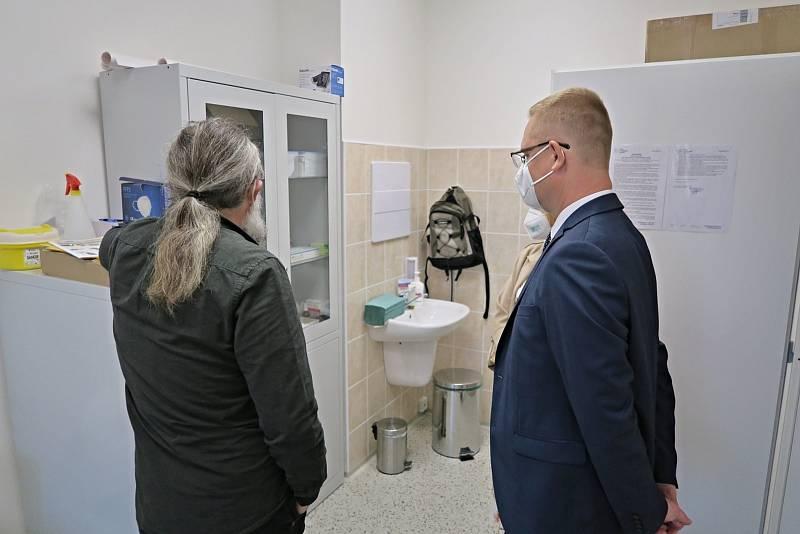 V rámci festivalu Týdny pro duševní zdraví mohli zájemci nahlédnout do nově zrekonstruovaného Centra duševního zdraví organizace Péče o duševní zdraví v Pardubicích.