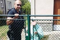 I žádost o pomoc z Itálie pardubičtí strážníci vyřídili. Seniorku ve špatném zdravotním i psychickém stavu předali lékařům.