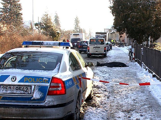 Nehoda v Horní Rovni na Holicku. Pětašedesátiletá cyklistka střet s nákladním automobilem nepřežila