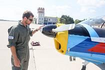 Centrum leteckého výcviku na letišti v Pardubicích