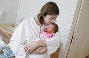 JOLANA SKOLKOVÁ se narodila 21. listopadu v 1 hodinu a 17 minut. Měřila 49 centimetrů a vážila 3340 gramů. Rodiče Markéta a Petr bydlí v Pardubicích a doma na nového sourozence čeká dvouletý Vítek.