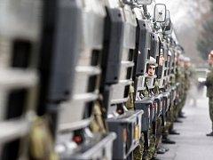 Pohotovost pro NATO drží v Pardubicích 169 vojáků a 120 kusů techniky.