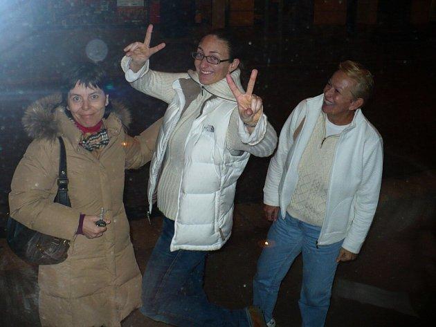 Mary Pierce (uprostřed) navštívila Pardubice