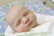 MARIE TOMÁŠOVÁ se narodila 18. července v 8 hodin a 6 minut. Měřila 51 centimetrů a vážila 3370 gramů. Maminku Martinu podpořil u porodu tatínek Martin. Bydlí v Pardubicích.