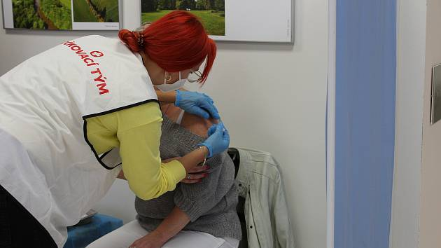 Ve čtvrtek 7. října se očkovalo v Kladrubech nad Labem. Očkovací kamion se vrátil do Pardubického kraje.