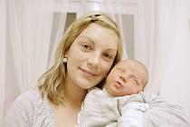 Sebastian Štěpánek se narodil 6. prosince v 10:55. Měřil 55 centimetrů a vážil 4060 gramů. Maminku Michaelu u porodu podporoval tatínek Martin a doma v Pardubicích mají ještě šestiletou Natálku.