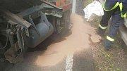 Nehoda osobního a nákladního vozu zavřela silnici z Přelouče na Bohdaneč na více než tři hodiny.
