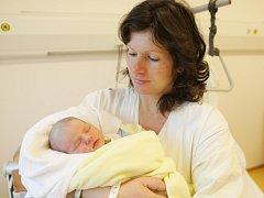Magdaléna Plecháčková  se narodila 6. listopadu v 16:28 hodin. Vážila 3140 gramů a měřila 50 centimetrů. Tatínek Vlastimil  maminku  Romanu při porodu podpořil. Doma v Sezemicích.na ně  čeká ještě dvouletý Honza.