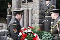 Paraskupinu Silver A i oběti Heydrichiády si 9. ledna připomněli hosté pietního aktu u pardubického Památníku Zámeček.
