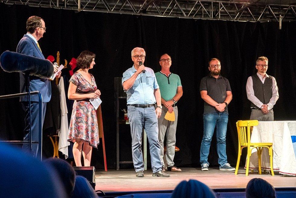 Ze zahájení festivalu Pernštejnlove.