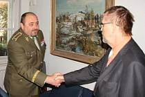 NA PARDUBICKÝ KRAJ se přijel představit nový velitel Sil podpory Armády ČR, brigádní generál Ján Gurník.