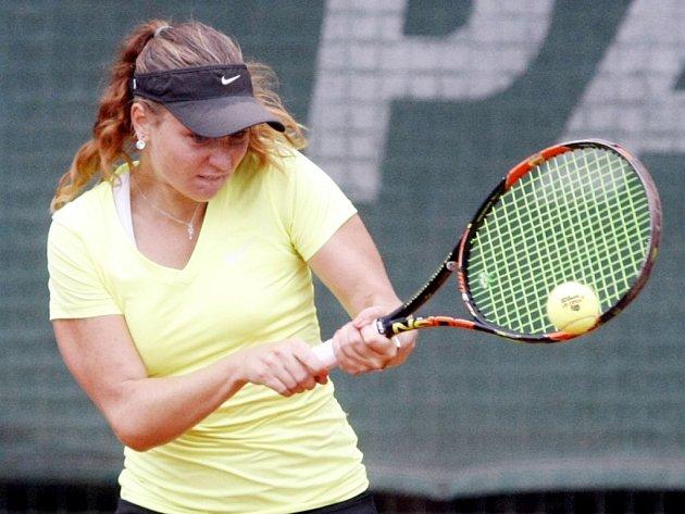 Další třísetový zápas musí ještě dohrát Nikola Novotná z LTC Pardubice. Nejlepší z východočeských tenistek bojuje o postup do semifinále, její zápas přerušil déšť.