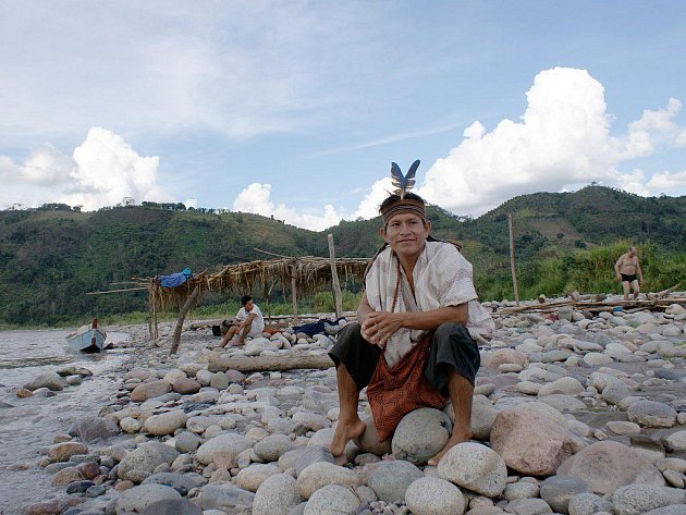 Peru. Indiánský průvodce z kmene Ašaninka, který vedl východočeské dobrodruhy k řece.