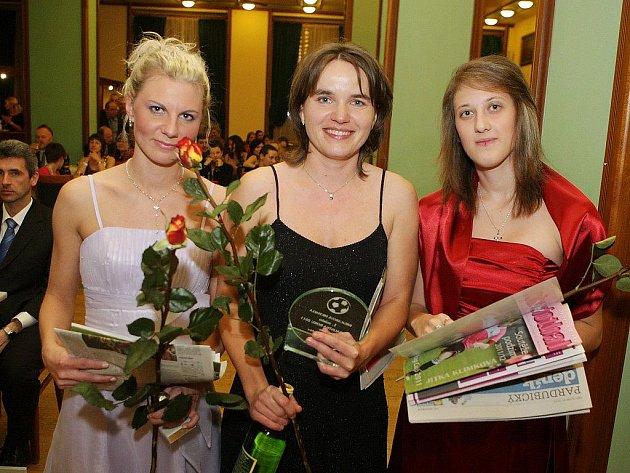 Nejlepší ženy (zleva): Barbora Faltová, vítězka Michaela Krejcarová a Silvia Kunáková.