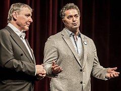 Petr Dohnal s Marinem Dejdarem při zahájení XVII. Grand Festivalu smíchu v Pardubicích