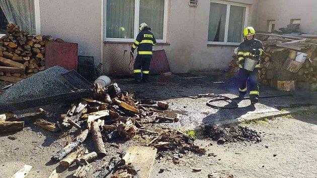 Díky volbám nepřišli v Litošicích o hospodu. Ve sklepě kulturního centra začalo hořet. Majitel však byl na místě kvůli úklidu a požár zpozoroval včas.