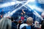 Koncert kapely Krucipüsk v Automatických mlýnech v Pardubicích.