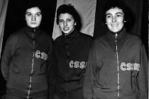 Libuše Uhrová-Grafková (na archivním snímku vpravo) byla československá reprezentantka ve stolním tenisu a následně pak funkcionářka, trenérka i rozhodčí.