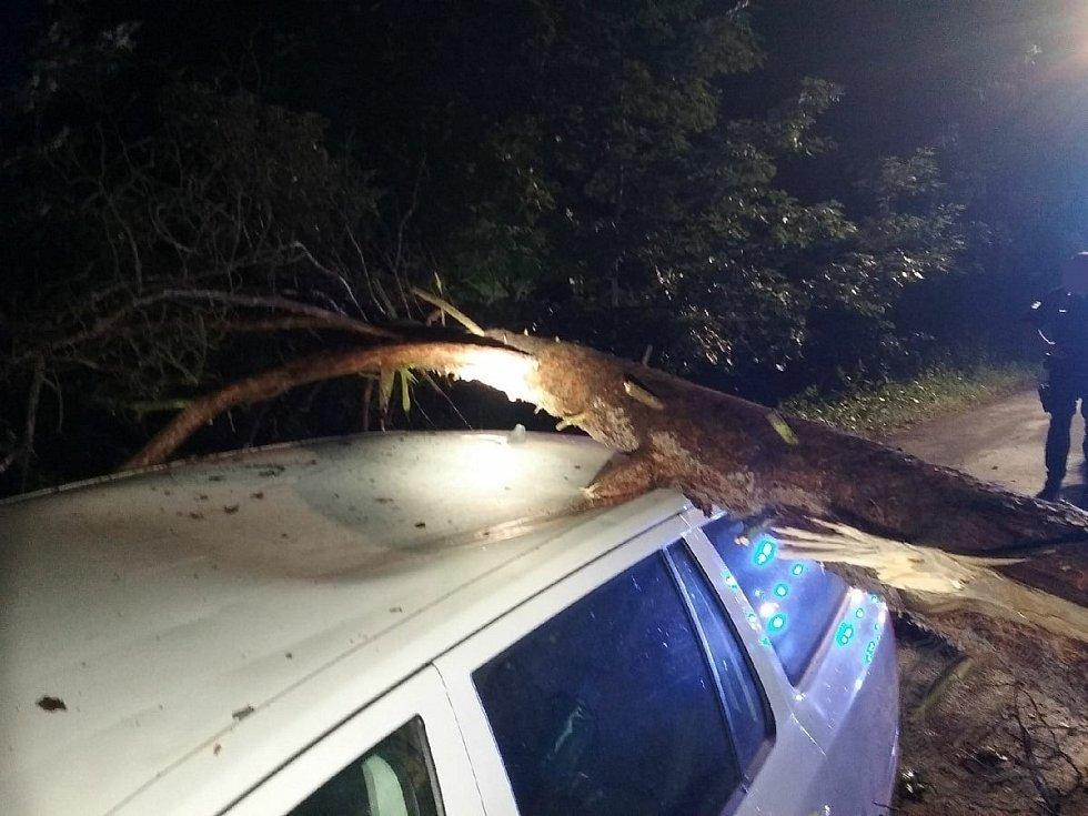 Pondělní bouřky potrápily hlavně Přeloučsko