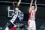 Basketbalové utkání 2.kola FIBA Europe Cupu mezi BK JIP Pardubice (v bíločerveném) a Avtodor Sara