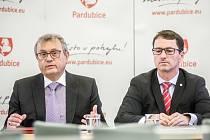 Vladimír Dlouhý a primátor Pardubic Martin Charvát