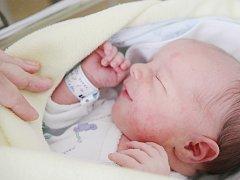 Marek Macháček se narodil 22. srpna v 8:30 hodin. Vážil 3830 gramů. Maminka Jana a tatínek Marek jsou z Pardubic.
