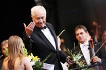 Dirigent Libor Pešek