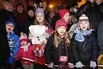 Česko zpívá koledy 2014 na Pernštýnském náměstí v Pardubicích