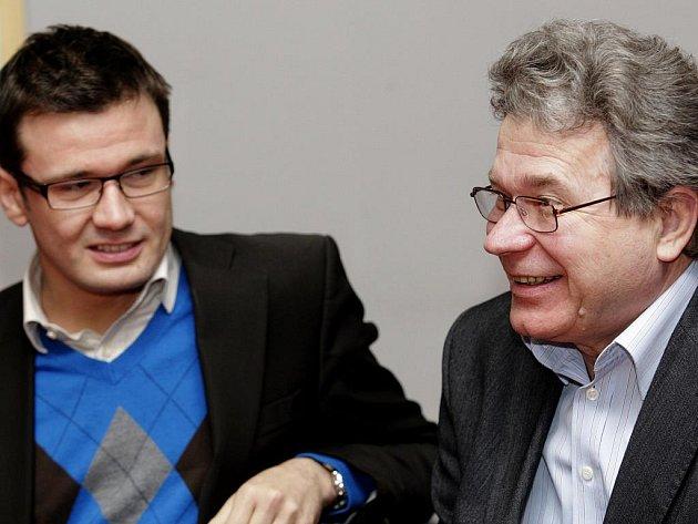 Pardubický zastupitel Jan Linhart (vlevo) s šéfem Strany zelených Ondřejem Liškou.