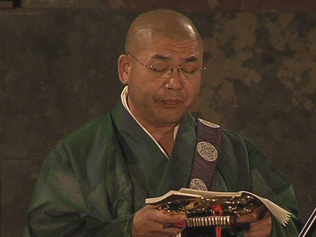 Z vystoupení japonských budhistických mnichů Gjosan-rjů.