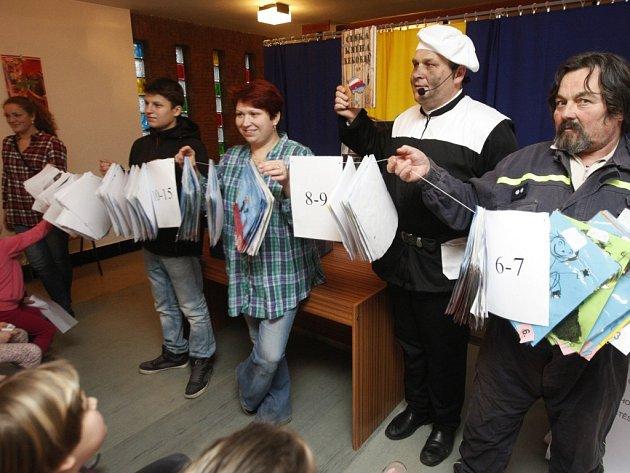 Sečteno, potvrzeno. V Křični dali dohromady 401 obrázků kominíků a je to nový český rekord.