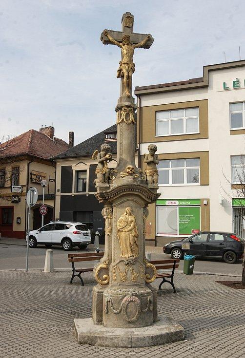 Dominantní místa ve městě Holice.